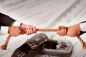 Споры со страховыми и автосалонами